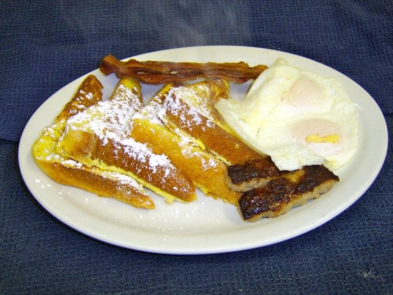 FrenchToast-Eggs-Bacon-Sausage