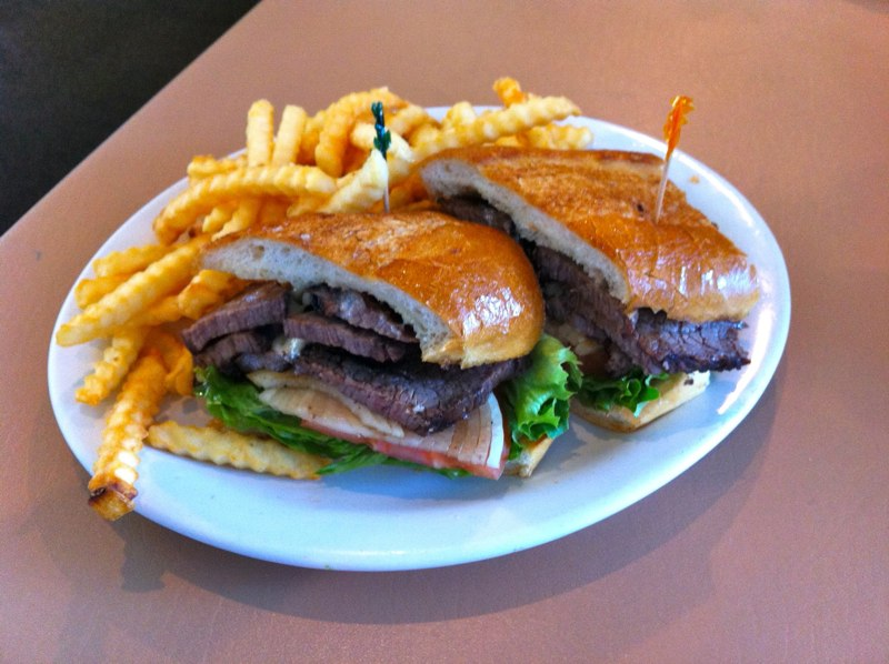 Tri-Tip-Sandwitch-Fries